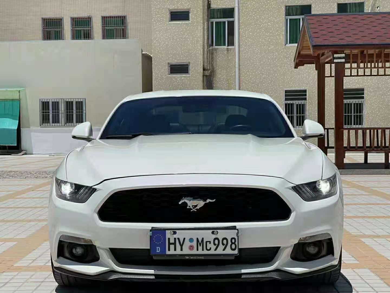 2015年2月进口福特野马Mustang 2.3T自动性能版