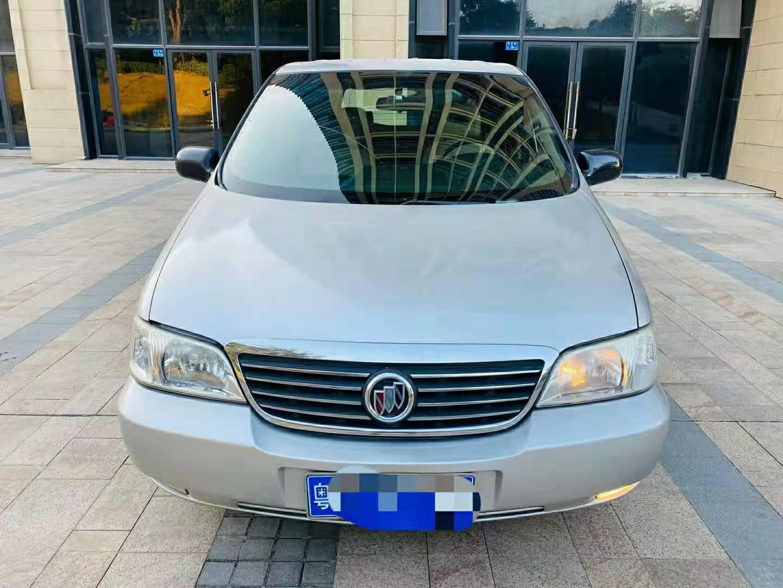 2010年9月上汽通用别克GL8 2.5L自动舒适版